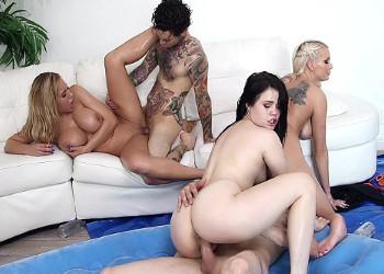 Imagen Se embadurnan en aceite para follar en grupo con sus amigos