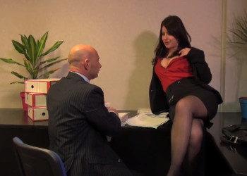 Imagen Secretaria francesa entrega su culo a su jefe en el trabajo